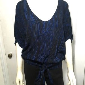 Women's DVF top black/cobalt-size 8